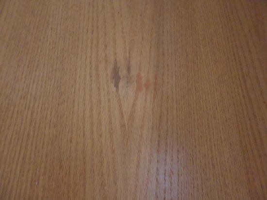 Hilton Bath City : holes filled in bathroom door
