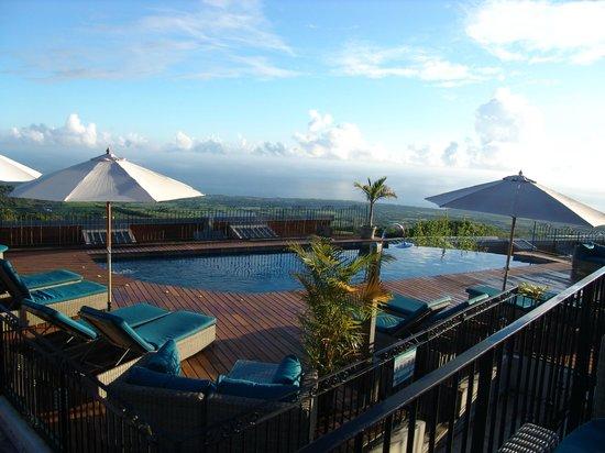 Diana Dea Lodge : Pool und Aussicht