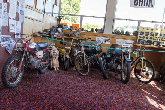 Hunterville, New Zealand: Old motorcycles