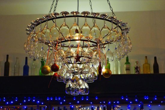 The Islay Hotel : The chandelier
