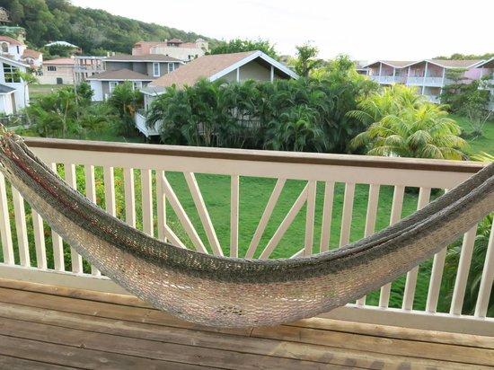 Henry Morgan Resort: hammock on balcony