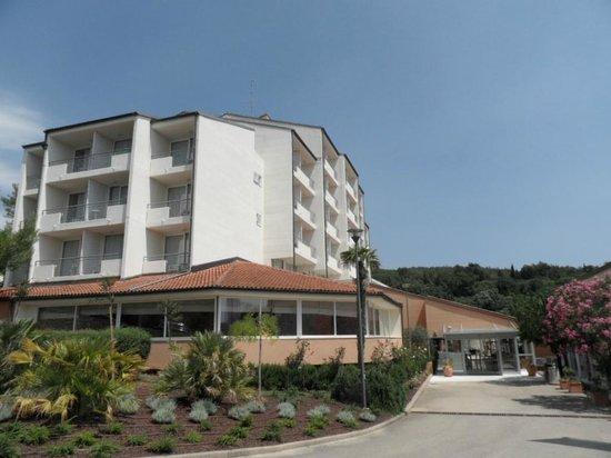 Miramar Hotel: Вход в отель