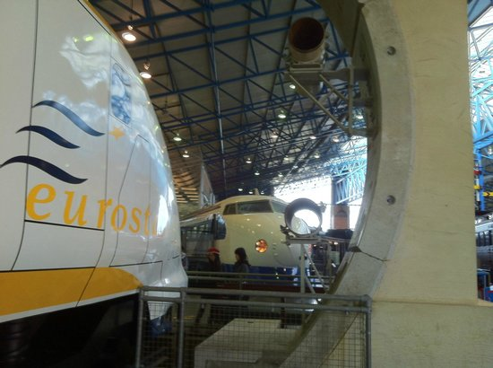 British National Railway Museum : Eurostar vs Shincansen