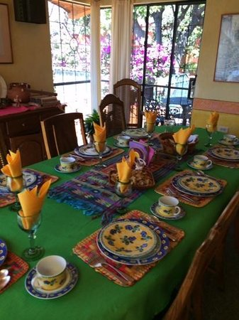 Arcos Del Atascadero: another pretty table setting