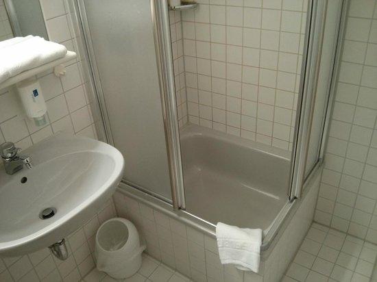 Neotel Stuttgart: Ducha