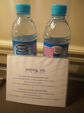 Hotel Duquesne Eiffel : complimentary water