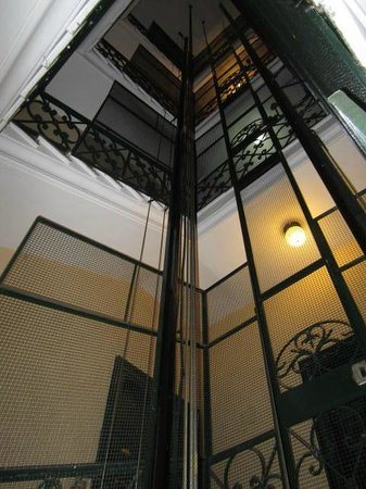 A Peace of Rome: Cool elevator
