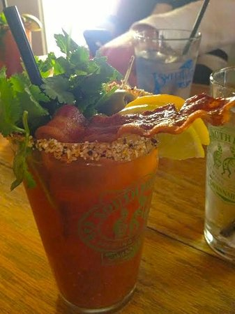 Tybee Island Social Club: Outstanding Bloody Marys ... they even add bacon!