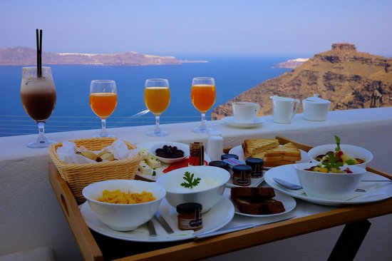 Allure Suites: full breakfast