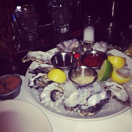 Prime 112 : para la laarga espera de mesa, en el bar, las ostras muy buenas