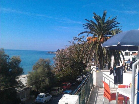 Blue Beach Villagio Turistico: Zimmeraussicht vom Balkon