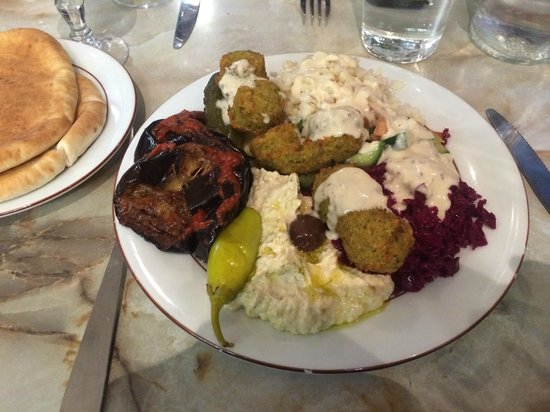 Chez Marianne : My overcrowded plate