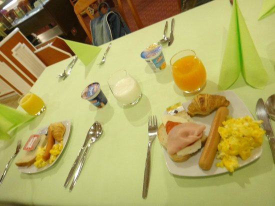 Hotel Gloria Palac : Worst breakfast!