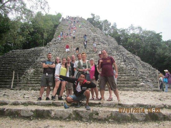 Coba Mayan Traditions: Notre groupe avec H et L tours