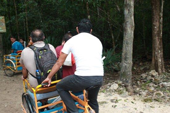 Coba Mayan Traditions: Crise de rigolade garantie