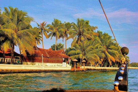 Soma Kerala Palace : Hotel from the boat