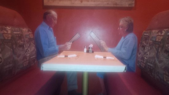 Pow Wow Restaurant & Lounge : Art on walls