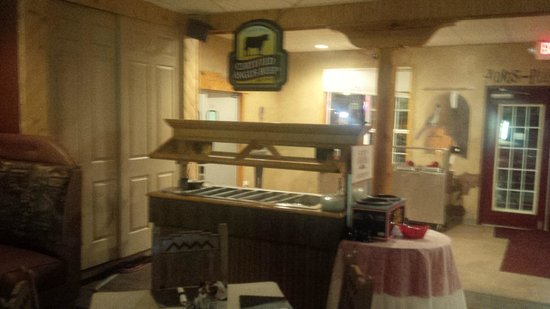 Pow Wow Restaurant & Lounge : The Restaurant