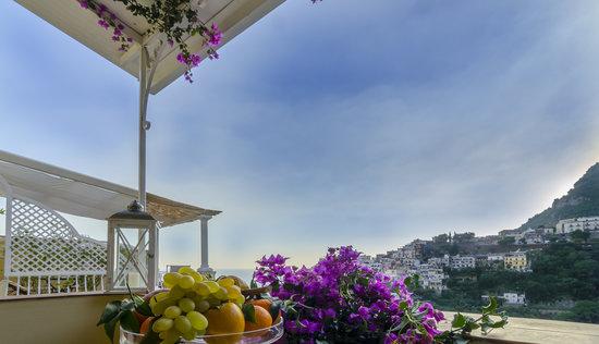 Villa Mary Suites: Terrace View