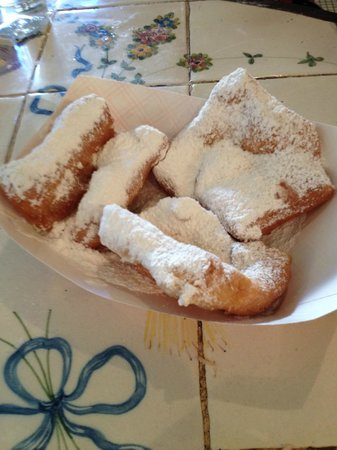 Grand Victorian Bed & Breakfast: Cafe Beignet, Royal Street