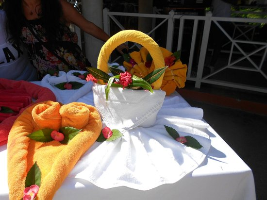 Grand Bahia Principe San Juan: towel sculptures