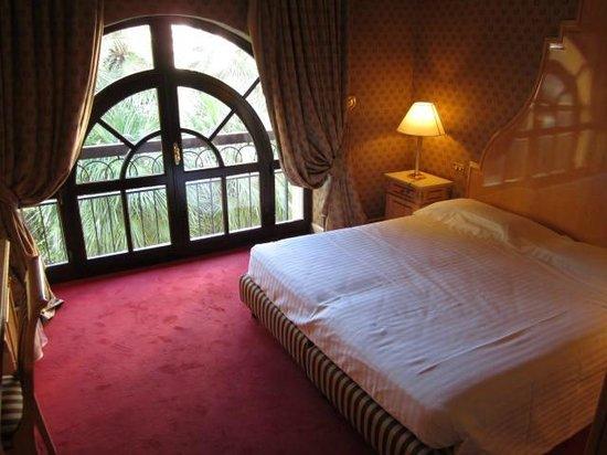 Hotel Albani Firenze: Comfortable bedding