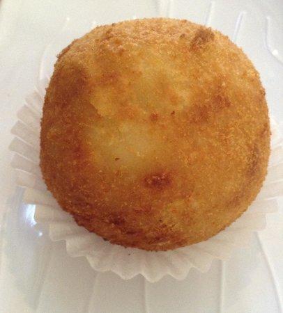 Tropicana Bakery and Cuban Cafe: Potato ball, this was good