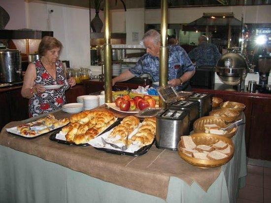 Art Deco Hotel & Suites: desayuno/breakfast