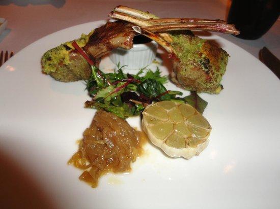 The Ritz-Carlton, Santiago: Jantar servido no hote, cordeiro delicioso!!