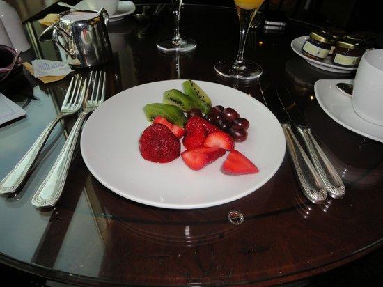 The Ritz-Carlton, Santiago: Café da manhã repleto de frutas