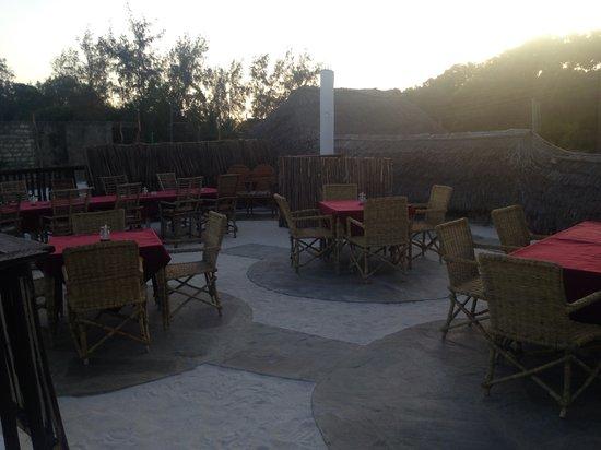 Makuti Ristorante Pizzeria : Il nuovissimo MakutiUp.. Terrazza all'aperto sotto il cielo stellato dell'Africa..