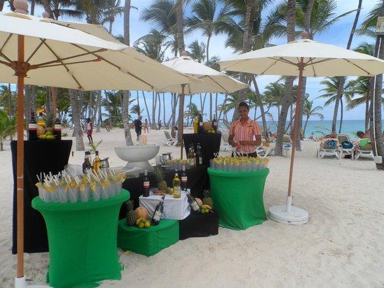 Hotel Riu Palace Bavaro : beach party