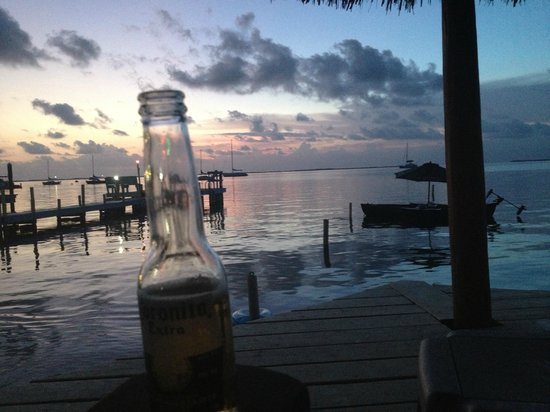 Sunset Cove Beach Resort : The view from my beer