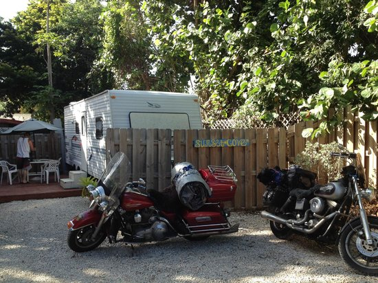 Sunset Cove Beach Resort : Newly acquired fifth wheel