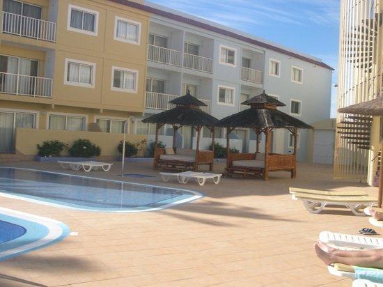 Surfing Colors Apartments : Sunbathing area