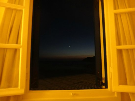 Delfini Hotel Sifnos: View from window.