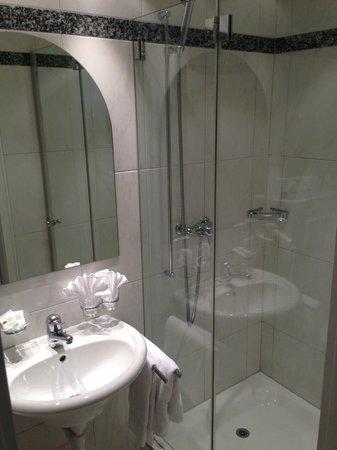 Blatter's Bellavista Hotel: Bathroom 131