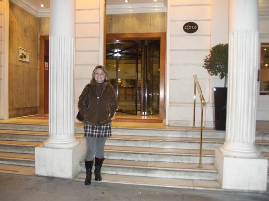 Corus Hotel Hyde Park London: Na frente do Hotel Corus Hyde Park
