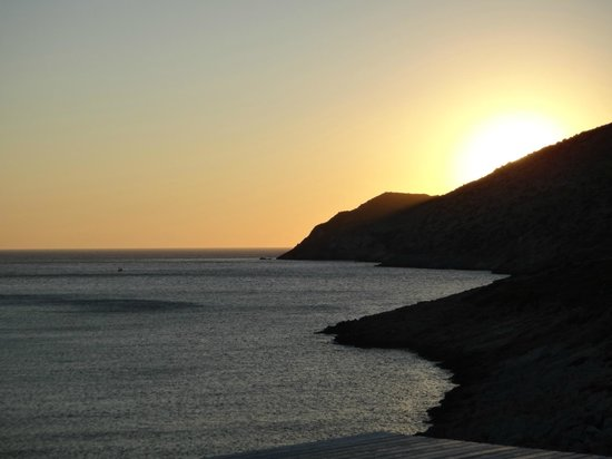 Delfini Hotel Sifnos: Sunset.