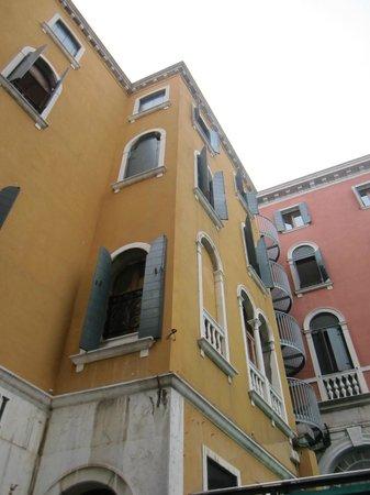 Bonvecchiati Hotel : Up shot of the main Hotel