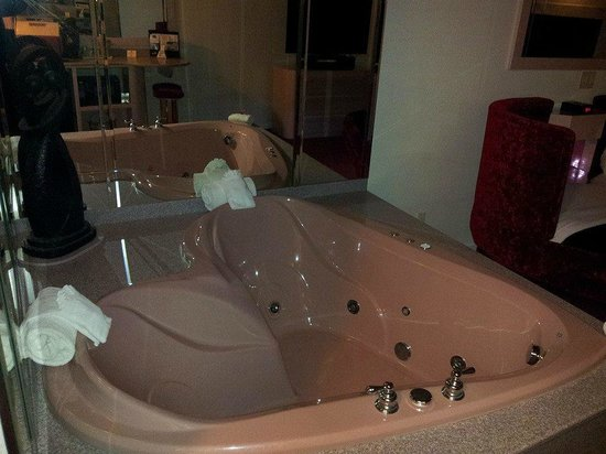 Heart Shaped Tub Picture Of Best Western Galena Inn Suites Galena Tripadvisor