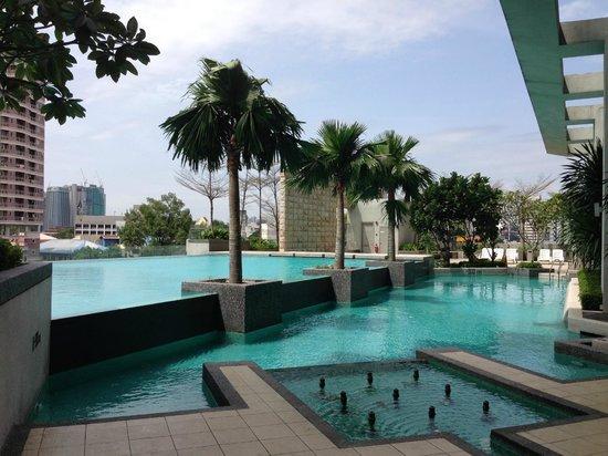 The Residences Swiss Garden Hotel Kuala Lumpur Swimming Pool