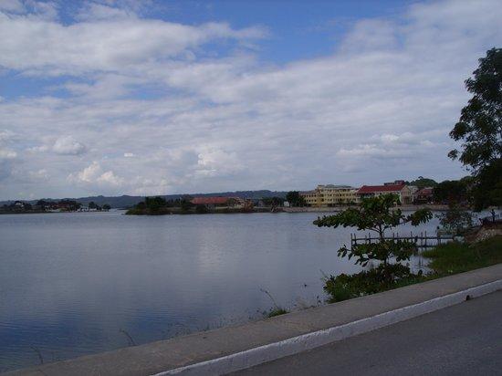 Hotel Casona de la Isla: vista do logo de Flores