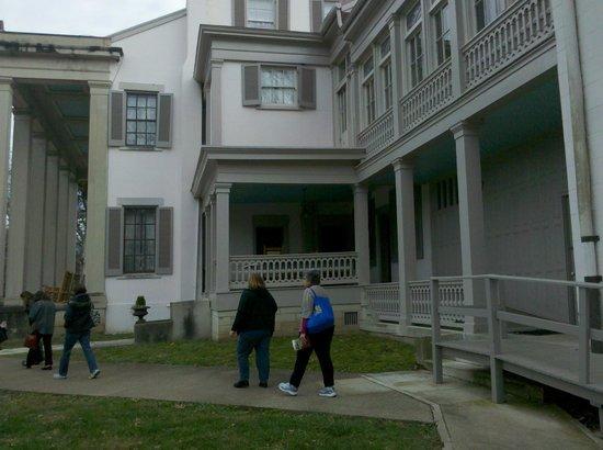 Belle Meade Plantation : side view
