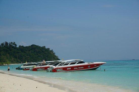 Ko Rok Nok: Boats that took us to Ko Rok