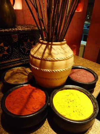 Shangri La Barr Al Jissah Resort & Spa-Al Husn: in Restaurant