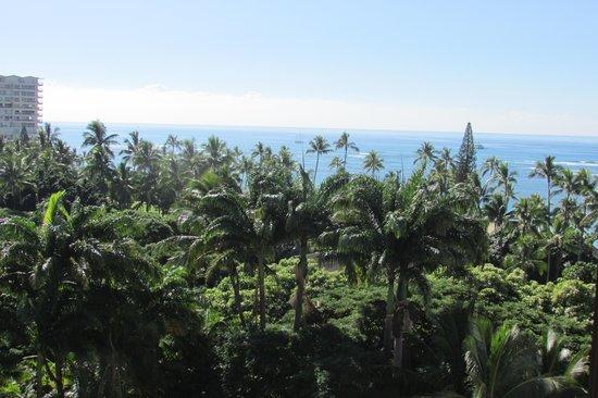 Hale Koa Hotel : Partial Ocean View