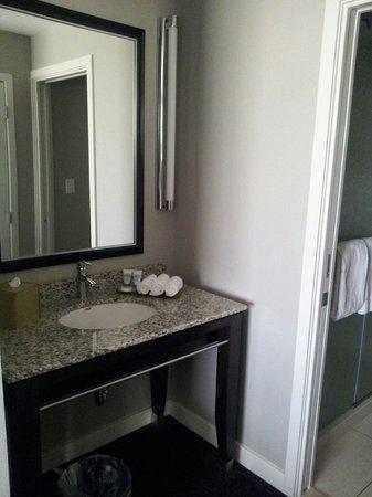 HYATT house Charlotte Center City : Vanity Room 802
