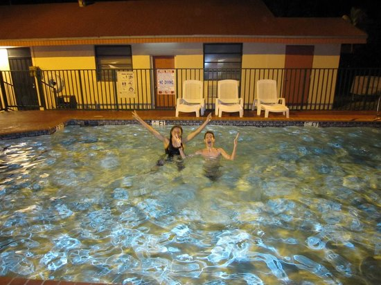 Super 8 Florida City/Homestead: Late Night Swim