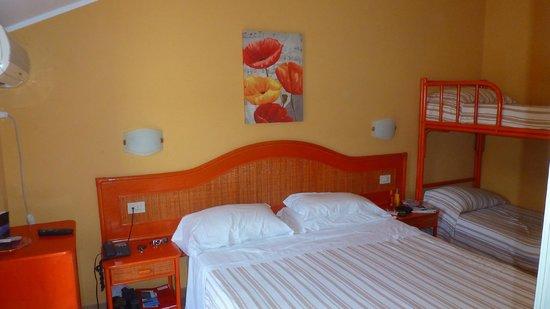 Hotel La Praia: camera da letto